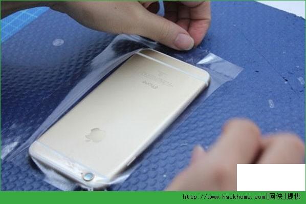 怎么给给苹果iPhone6贴膜?iphone6三种膜贴法图文教程![多图]图片5_嗨客手机站