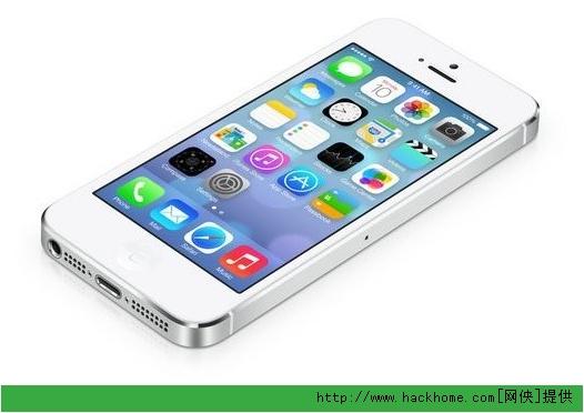 相比IOS6.X苹果IOS7.0.x系统增肌了不少实用的功能,例如有些电话推销员、不想接到电话的朋友打你的电话的时候,就可以实现屏蔽这些号码的功能,网侠小编就来告诉大家具体说怎么操作的吧:    1、阻止陌生号码   如果你想避开的某个电话号码并没有存在你的通讯簿里,那你就要找到自己的呼叫记录,阻止那个号码,按下旁边的i字母。   2、阻止呼叫者   方法很简单,在联系方式、也就是显示号码信息的页面底部有一个屏蔽此呼叫者 (Block This Caller),点击这里就可以了。可能你必须向下滚动屏